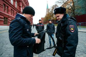 Общение сотрудника полиции с иностранцем